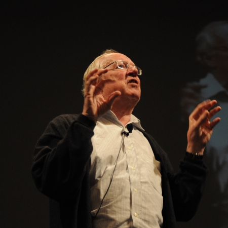 Robert Fisk giving a talk in 2010