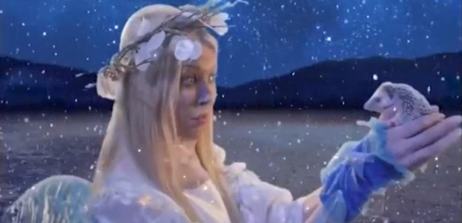 Tara Reid speaks to Andy the Talking Hedgehog in fairyland